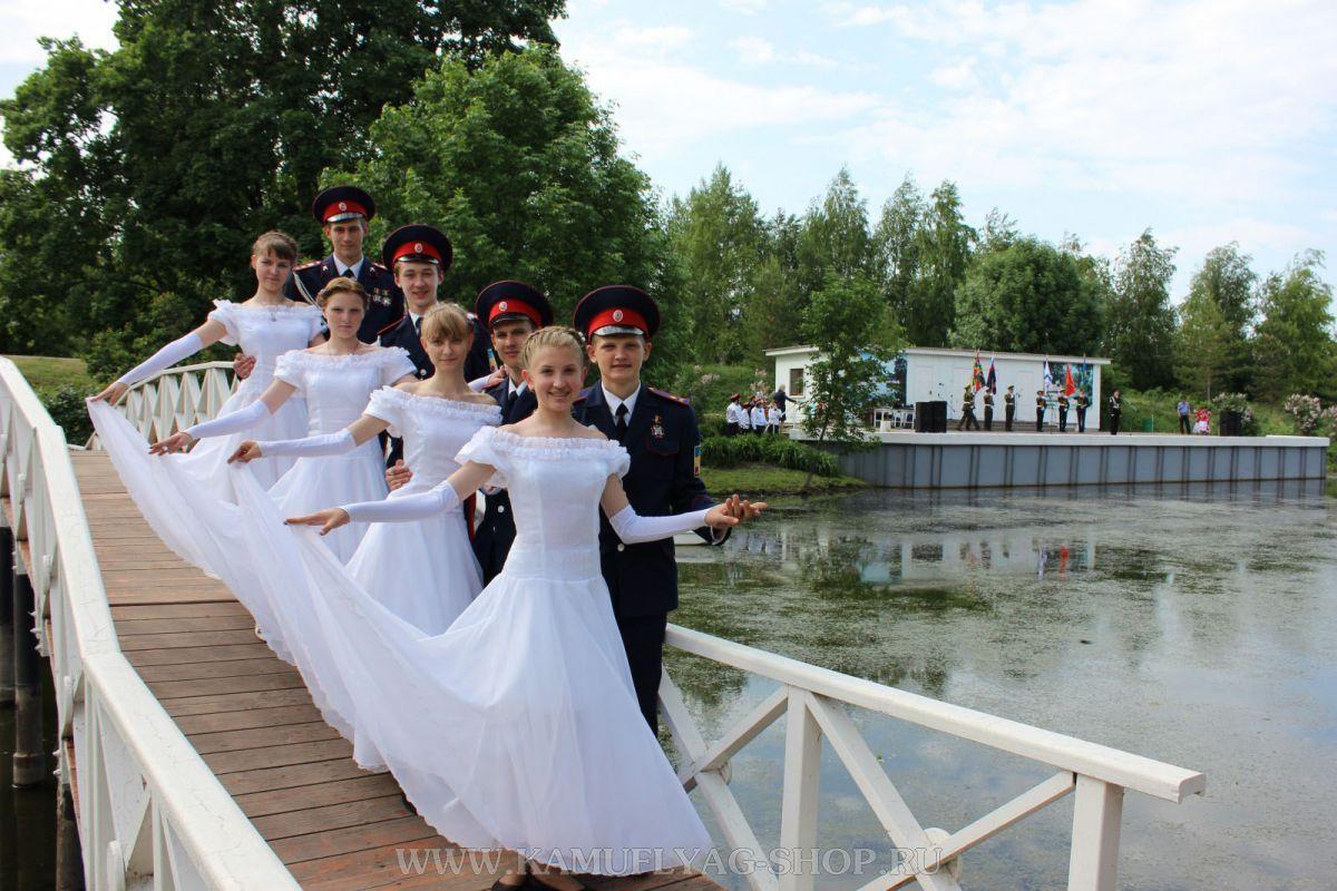Показательное выступление кадетского класса по бальным танцам